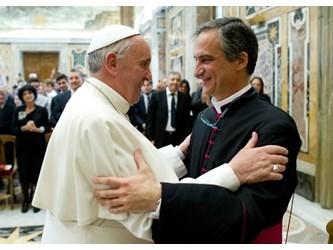 Papa: riforma dei media vaticani per comunicare Vangelo a tutti