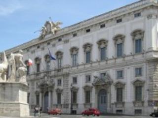 Firenze e Pisa: presidente Corte Costituzionale in due scuole. Grossi risponde agli studenti