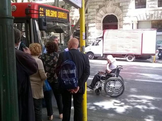 """Disabile diffida Comune, """"niente bus"""""""