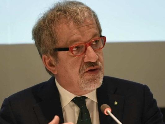 """""""Salvini si è fatto fagocitare dal rito romano"""", dice Maroni"""