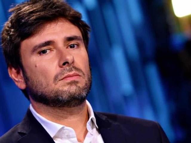 """""""La più grande sconfitta della storia del M5S"""", Di Battista severissimo"""