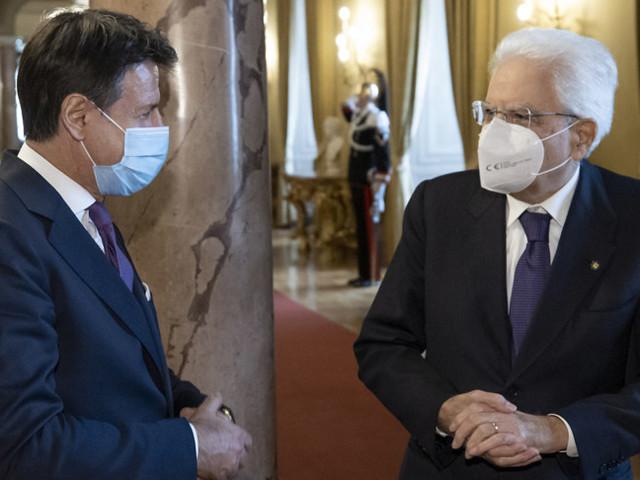 Mattarella ha chiesto a Conte di uscire in fretta dall'incertezza sul futuro delgoverno