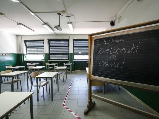 """Pincolini (Forza Italia): """"Scuola abbandonata dal Governo, così i nostri giovani tagliati dalla realtà"""""""