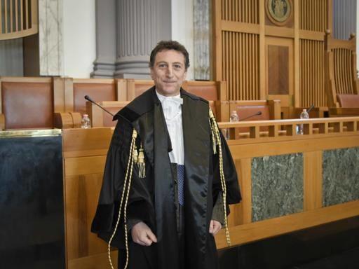 Coronavirus, gli avvocati di Napoli chiedono la sospensione dell'attività degli uffici giudiziari