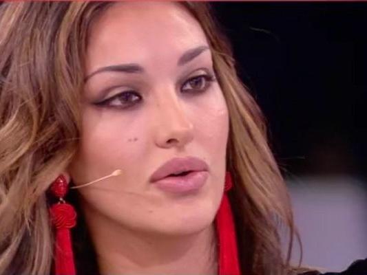 Domenica Live, Rosa Perrotta: 'Un agente mi offrì 10mila euro per passare del tempo insieme'