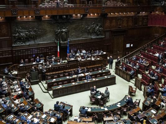 Depositate 71 firme per il referendum sul taglio dei parlamentari