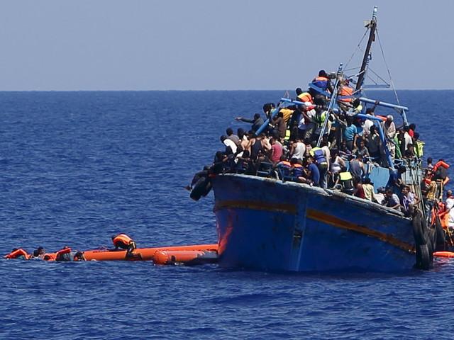 Nel Mediterraneo scarseggiano le navi per i soccorsi, si bussa di nuovo alle Ong