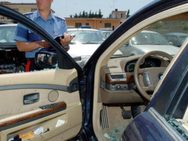 Vicenza, donna travolta e uccisa mentre cercano di rubarle l'auto: ladri in fuga