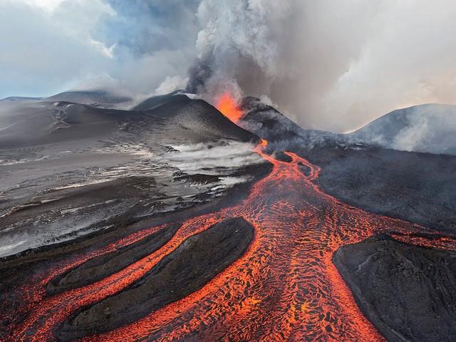 LoL Mid Season Invitational e Valorant a rischio...per un vulcano?