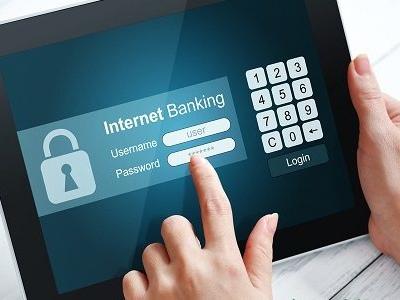 """Banche, addio alla """"chiavetta"""". Su Internet ci vuole il cellulare"""
