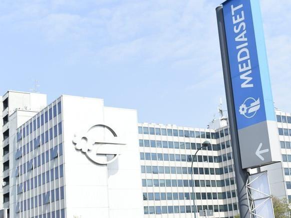 Mediaset: 800 milioni di sinergie e un buy-back da 280 milioni