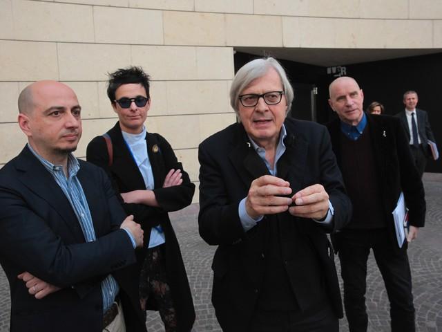 Lo show di Sgarbi in Provincia: «O mi danno le Albere, o lascio» e insiste per un Mart a Verona