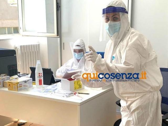 Coronavirus: studentessa positiva al liceo Telesio di Cosenza, tamponi sulla classe