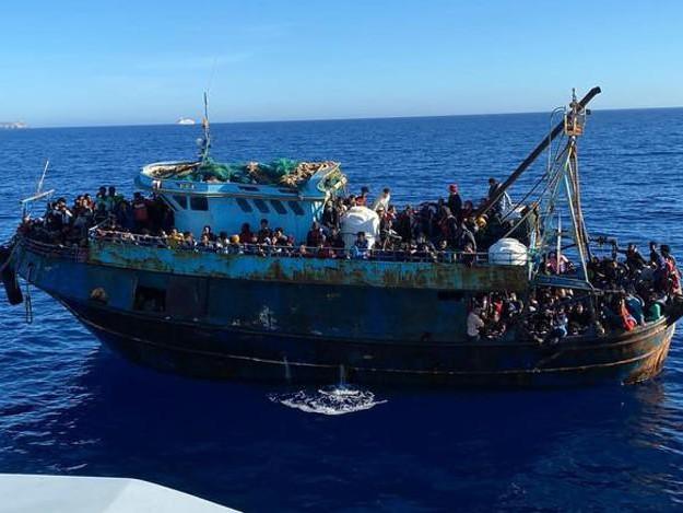 Migranti: trecento sbarcati a Reggio Calabria
