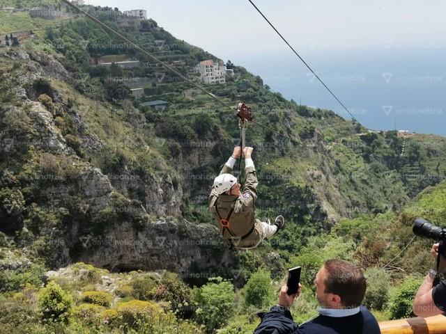 A Furore si vola a 100 metri d'altezza. Presentata la zip line della Costiera / Foto e Video