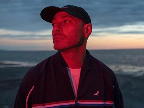 """Fabri Fibra, la prima raccolta è Il tempo vola: il rapper è cambiato, sì, """"come tutti quanti"""""""