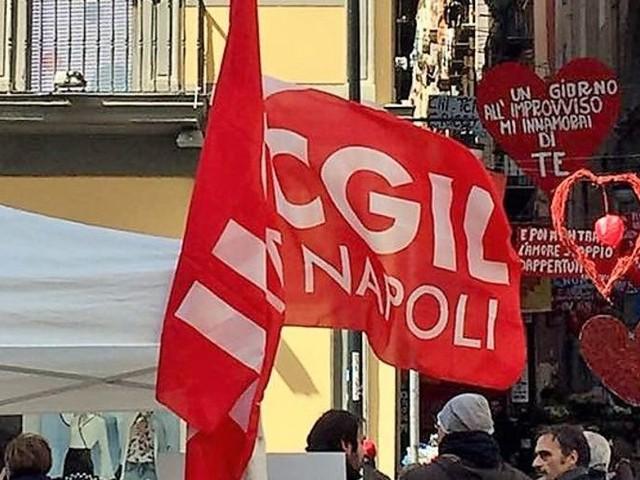 Napoli, alla Camera del lavoro si discute di contrattazione inclusiva con Landini