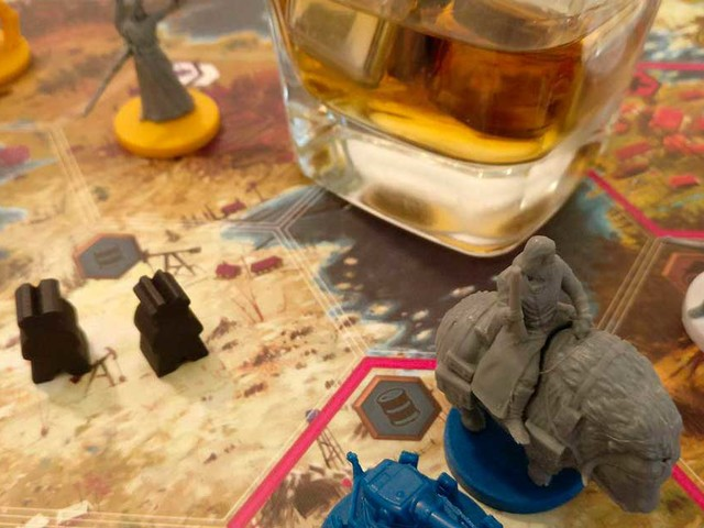 Gentlement Around a Table: Scythe – The Rise of Fenris
