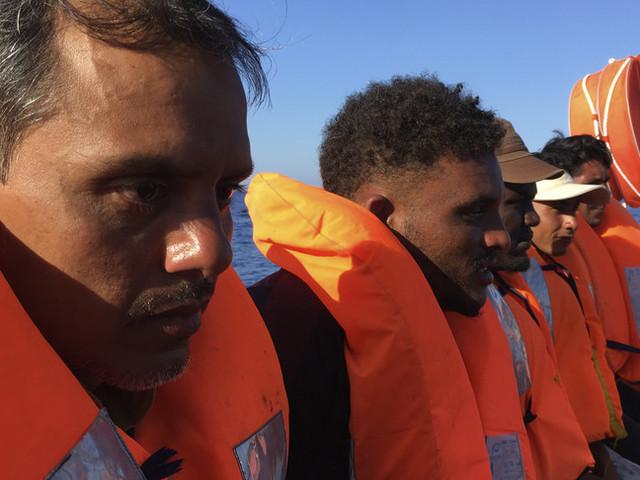 Ondata di sbarchi a Lampedusa, sono arrivati 433 migranti in poche ore