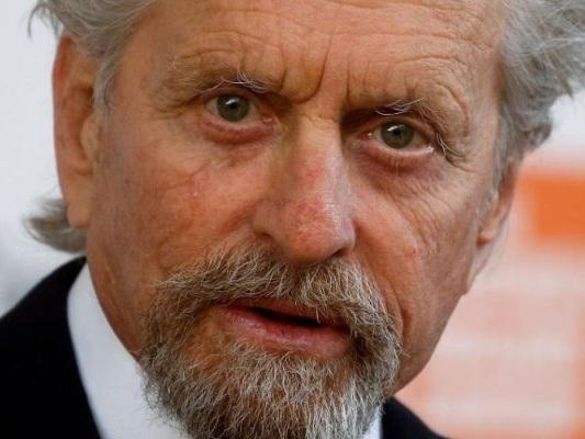 Michael Douglas accusato di molestie dalla giornalista Susan Braudy