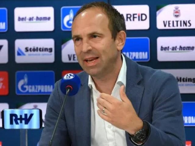 Minacce di morte alla famiglia dai tifosi dello Schalke 04: il direttore del marketing si dimette