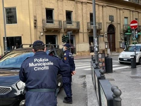 Palermo zona rossa, runners e ciclisti nelle strade semideserte: controlli in centro ma non troppi