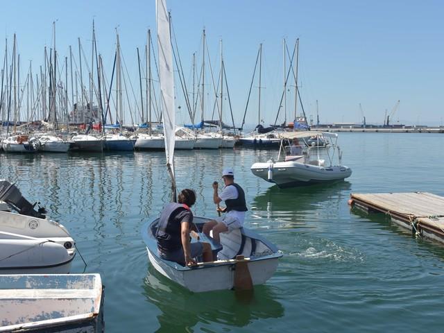 """Porto: varata Lia, la barca costruita da 5 giovani """"speciali"""""""