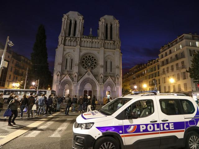 Orrore nella cattedrale di Nizza, l'attentatore islamico era sbarcato a Lampedusa