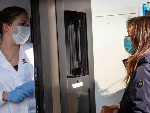 Coronavirus, terzo caso in Campania: il contagiato è di Napoli