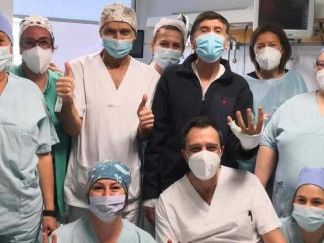 Gianni Morandi, il dramma dopo le ustioni non è finito: cosa lo aspetta ora