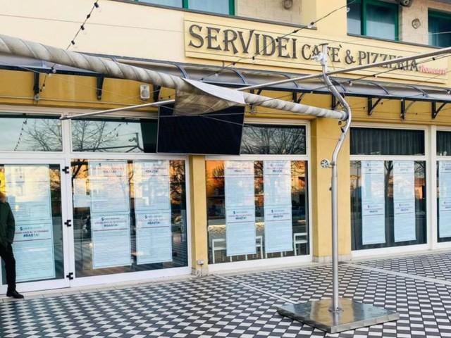 """Civitanova, 'Cafè Servidei' dice basta e chiude fino al 30 Gennaio: """"Sconfortato da controlli e multe"""""""