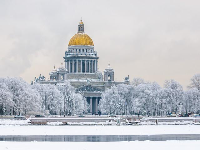Viaggio in Russia, prezzo super! Voli diretti a/r per San Pietroburgo da SOLI 74€!