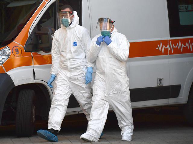 Coronavirus in Italia, risale tasso positività. Oltre 500 vittime
