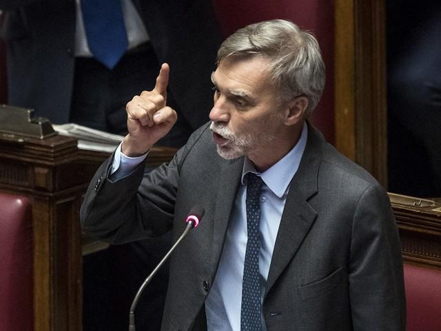 """Delrio minaccia la crisi: """"Di Maio ci ricatta, noi siamo pronti al voto"""""""