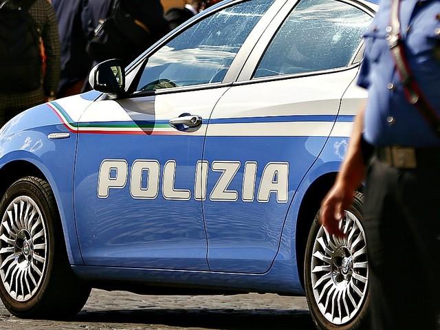 Milano, turista russa molestata in un McDonald's: arrestato addetto alle pulizie di 37 anni