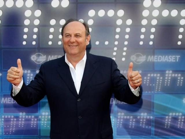 Ascolti tv ieri, SuperBrain vs Chi vuol essere milionario | Dati Auditel 25 gennaio 2019