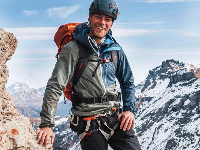 Domani i funerali di Etienne, la giovane guida alpina morta sul Pordoi: il dolore della famiglia e degli amici
