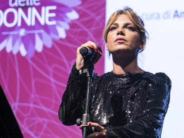 """'Amici', Emma Marrone: """"Da lunedì mi devo fermare per affrontare un problema di salute"""""""