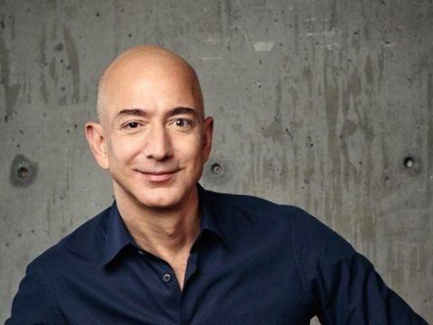 Bloomberg Billionaires Index il fondatore di Amazon Jeff Bezos egrave il pi ugrave ricco di sempre