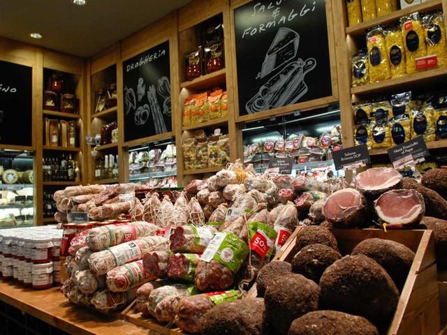 Segno meno per l'indice del settore alimentare italiano (-1,49%), seduta in ribasso per Campari