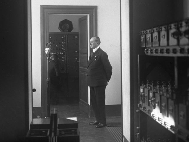 12 febbraio 1931, il giorno che il Papa andò sulla Radio