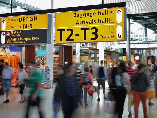 Hong Kong, protesta in aeroporto: cancellati tutti i voli