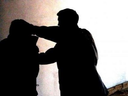 Catania, pugni e calci contro poliziotti: senegalese ne ferisce due