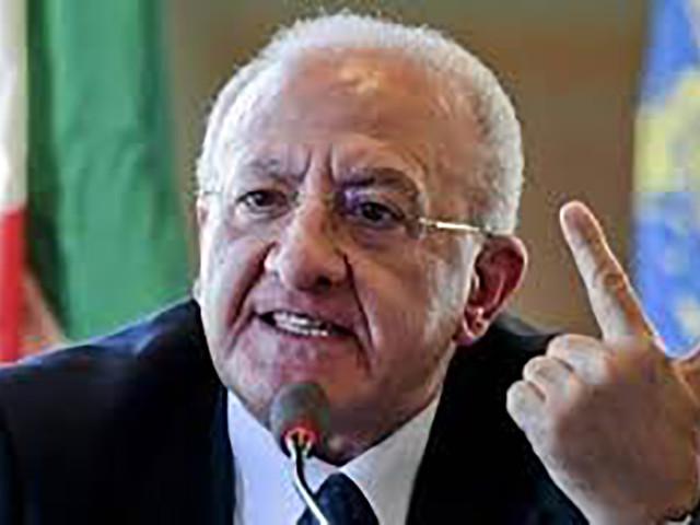 Sondaggi Campania, De Luca plebiscito. Anche M5S e Lega votano per lui