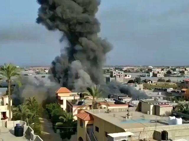 Gaza, pioggia di razzi da Israele sulla Striscia: la raffica di esplosioni sulle case