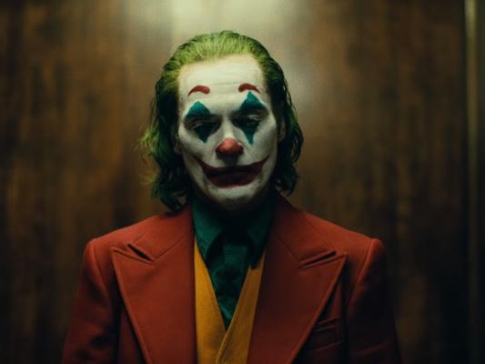 Questione Joker: cosa è successo nelle ultime ore, il comunicato di Warner e del regista Todd Phillips