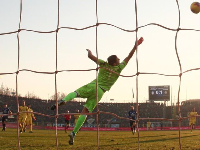 Malinovskyi, finalmente. Prestazione nella media, ma quel tiro... è gol 2 volte su 100