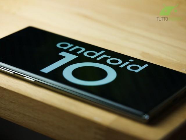 LineageOS 17.1 con Android 10 è realtà: sono arrivate le build ufficiali