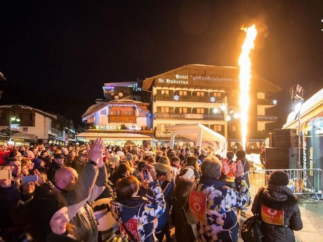Campiglio si accende di emozione: grande successo per Dolomite's Fire