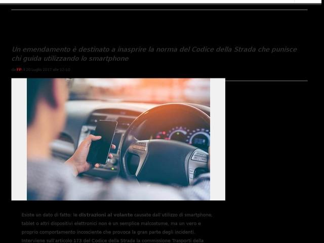 Sospensione patente per guida con cellulare e ritiro se recidivi: le novità